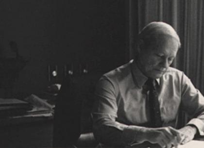 William O'neil chỉ cách giúp NĐT sống sốt trong khủng hoảng