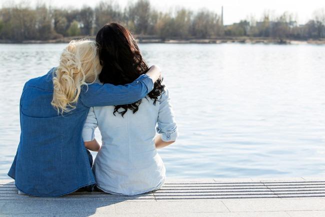 3 người bạn nhất định phải có để phần đời còn lại an vui trọn vẹn