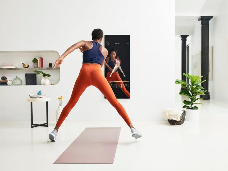 Chiếc gương trị giá $1,500 và hành trình thay đổi thói quen tập thể dục của cả thế giới