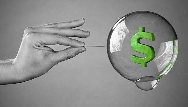 Nguy cơ sụp đổ thị trường chứng khoán ngày càng gia tăng, các nhà đầu tư có nên cẩn trọng?