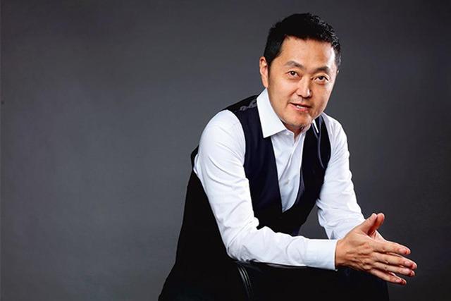 Tỷ phú Zuo Hui - Cậu sinh viên thất nghiệp bán bảo hiểm trở thành ông trùm thị trường bất động sản Trung Quốc