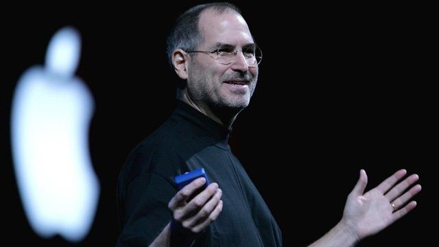 Starbucks và bài học bổ ích về EQ từ cuộc gọi điện đùa của Steve Jobs