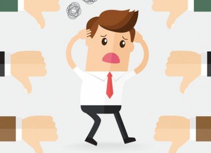 Phản hồi tiêu cực (Negative feedback) trong đầu tư là gì?